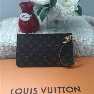 Louis Vuitton Neverfull MM/ GM Monogram Wristlet